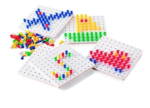 Stackable Pegboards (5) + Pegs Set (1000)